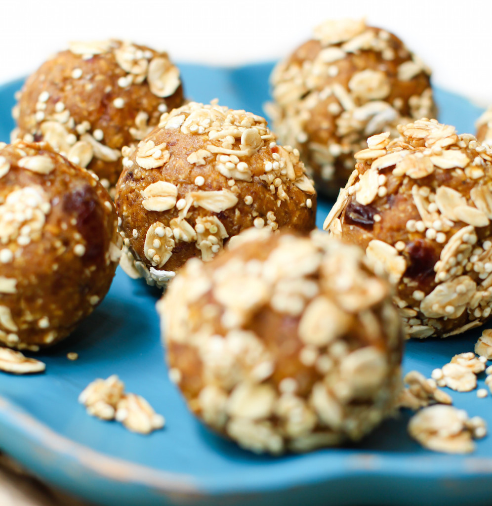 Pumpkin Energy Balls with a Crunchy Granola Coating {vegan}